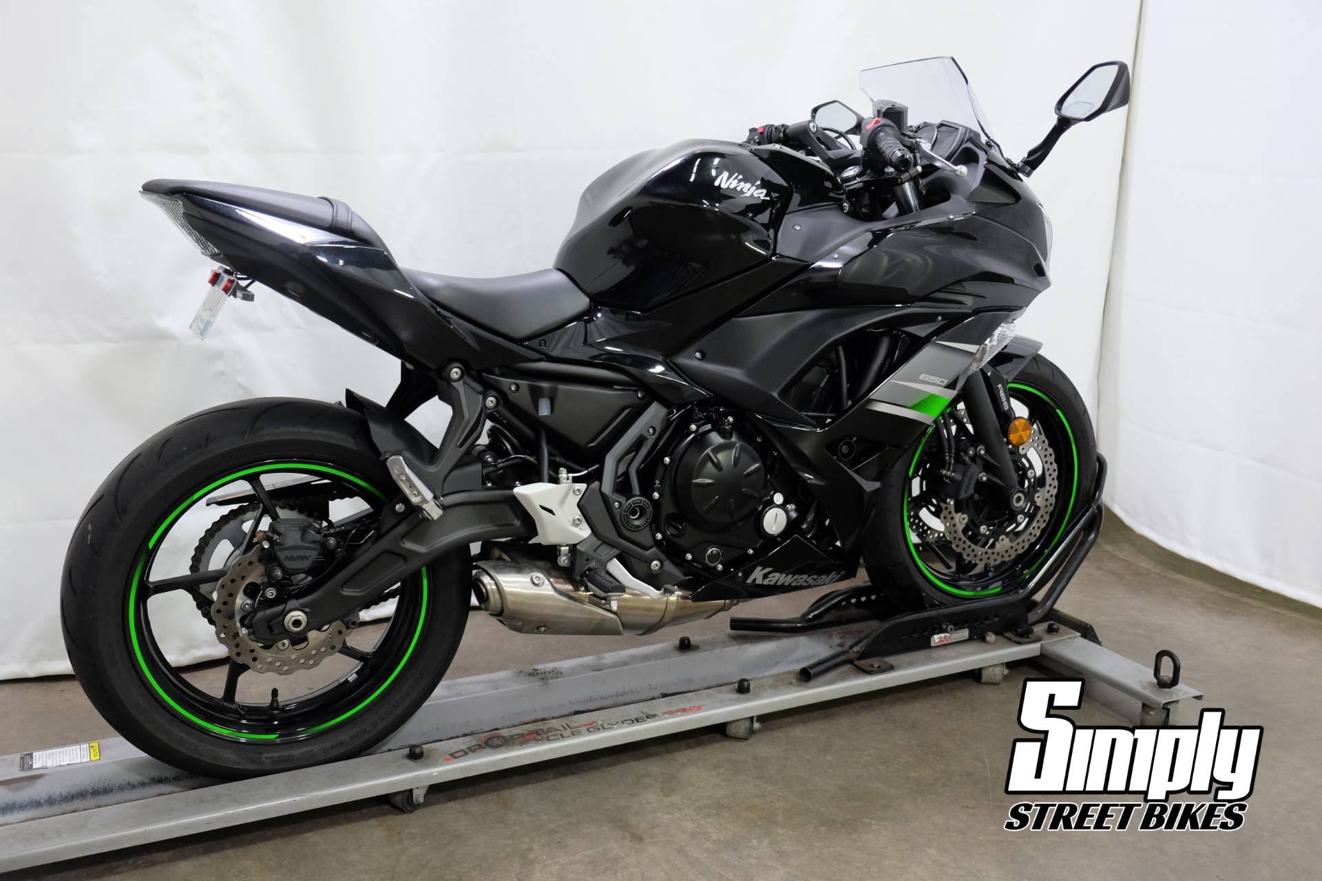 2019 Kawasaki Ninja 650 in Eden Prairie, Minnesota - Photo 8