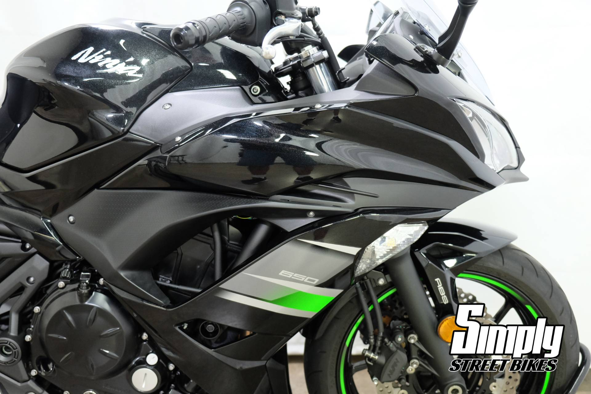 2019 Kawasaki Ninja 650 in Eden Prairie, Minnesota - Photo 12