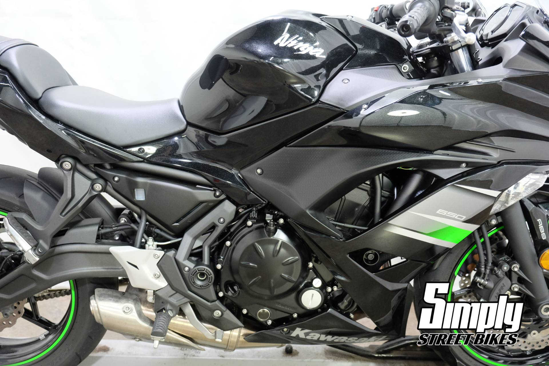 2019 Kawasaki Ninja 650 in Eden Prairie, Minnesota - Photo 16