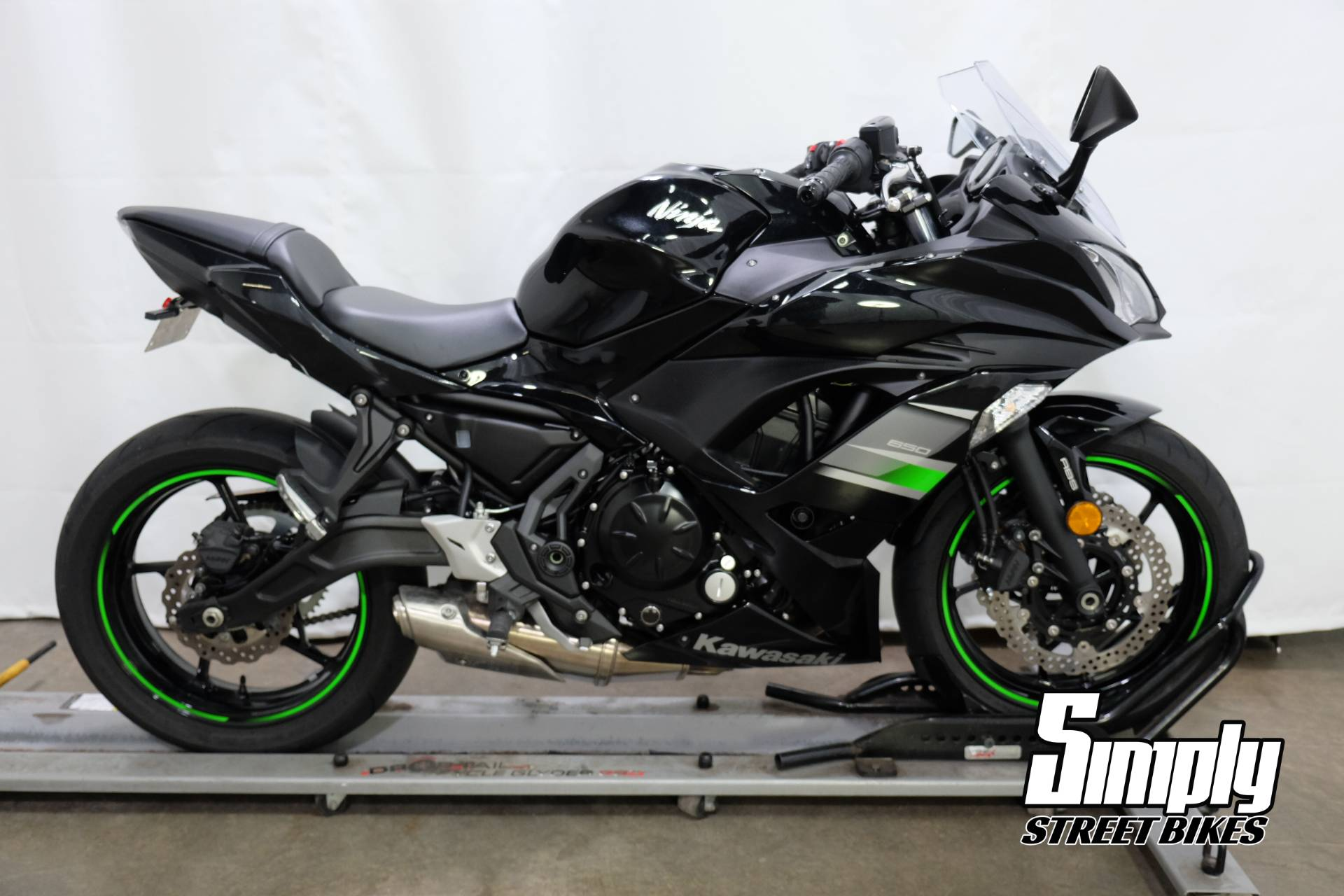2019 Kawasaki Ninja 650 in Eden Prairie, Minnesota - Photo 1