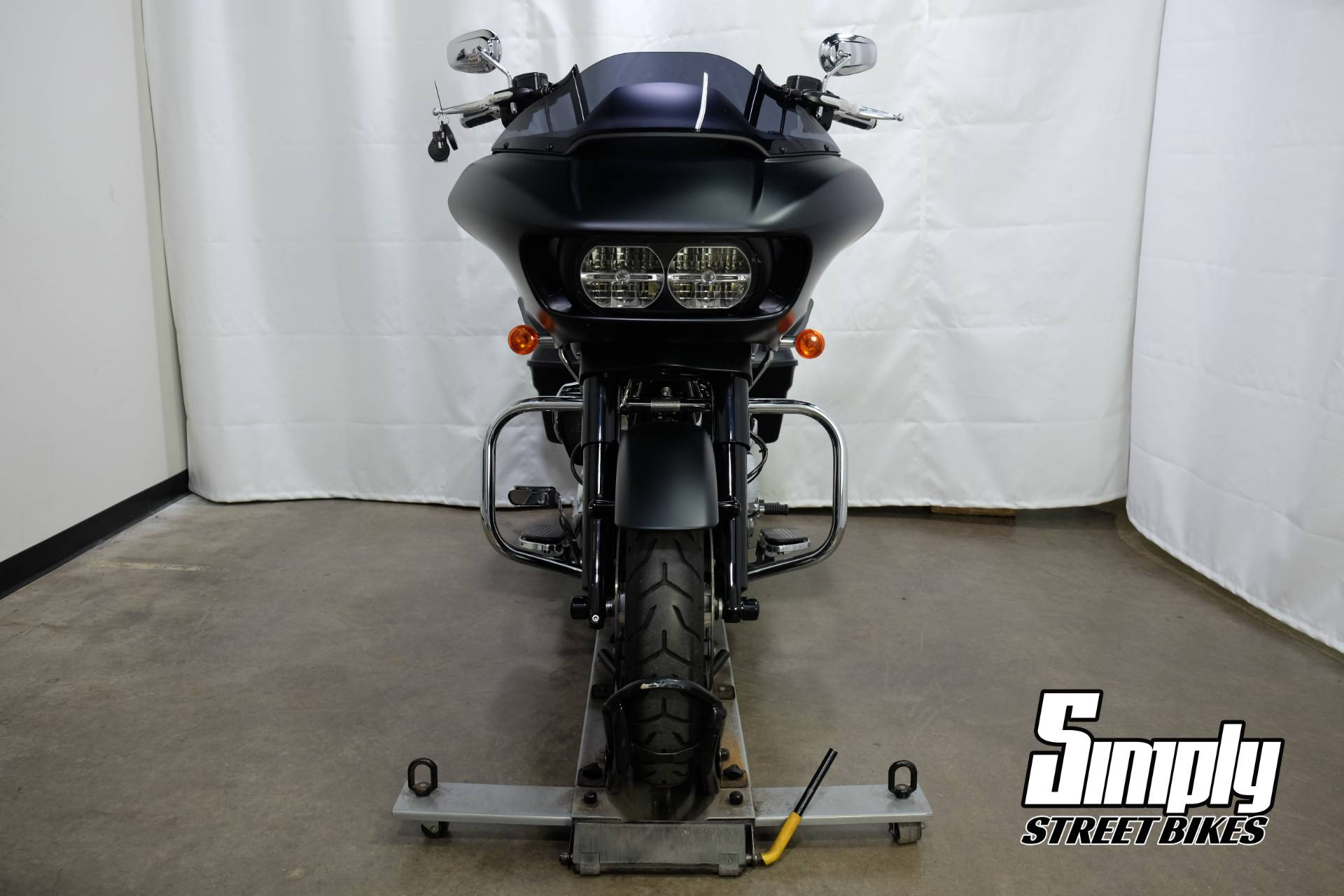 2017 Harley-Davidson Road Glide® Special in Eden Prairie, Minnesota - Photo 9