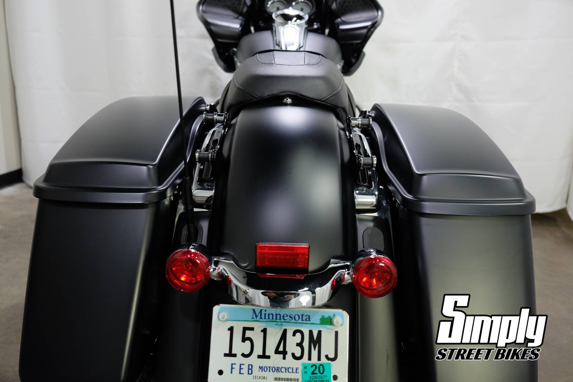 2017 Harley-Davidson Road Glide® Special in Eden Prairie, Minnesota - Photo 29