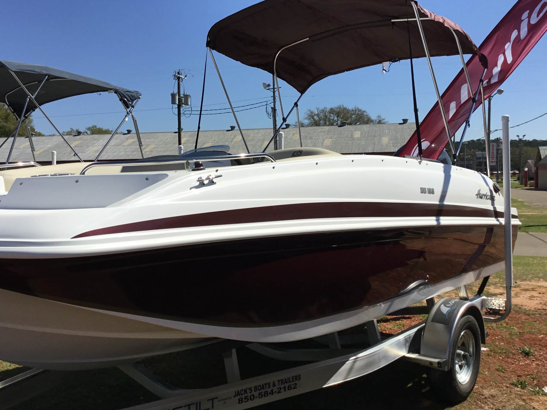 2018 Hurricane SunDeck Sport 188 OB in Perry, Florida