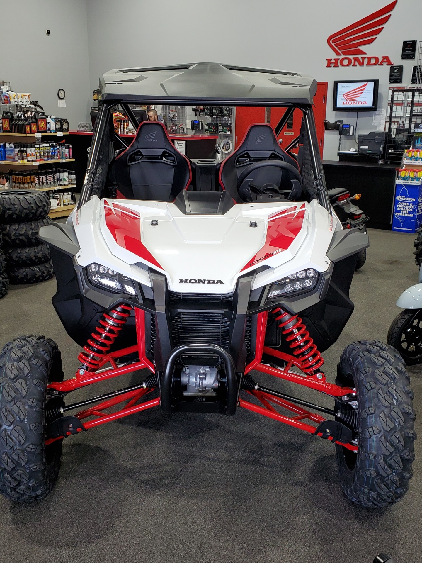 2021 Honda Talon 1000R in Moon Township, Pennsylvania - Photo 2