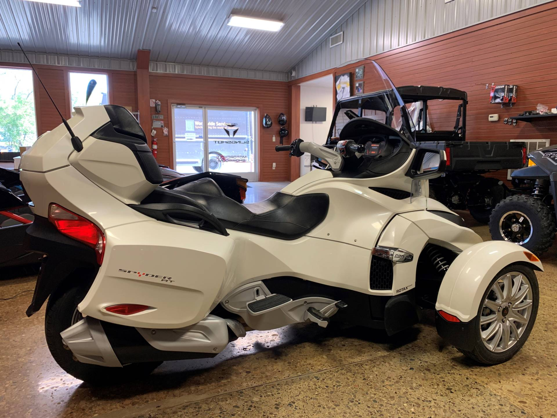 2017 Can-Am Spyder RT SE6 in Chicora, Pennsylvania - Photo 4