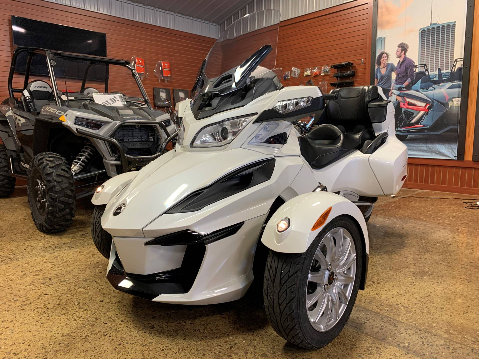 2017 Can-Am Spyder RT SE6 in Chicora, Pennsylvania - Photo 1