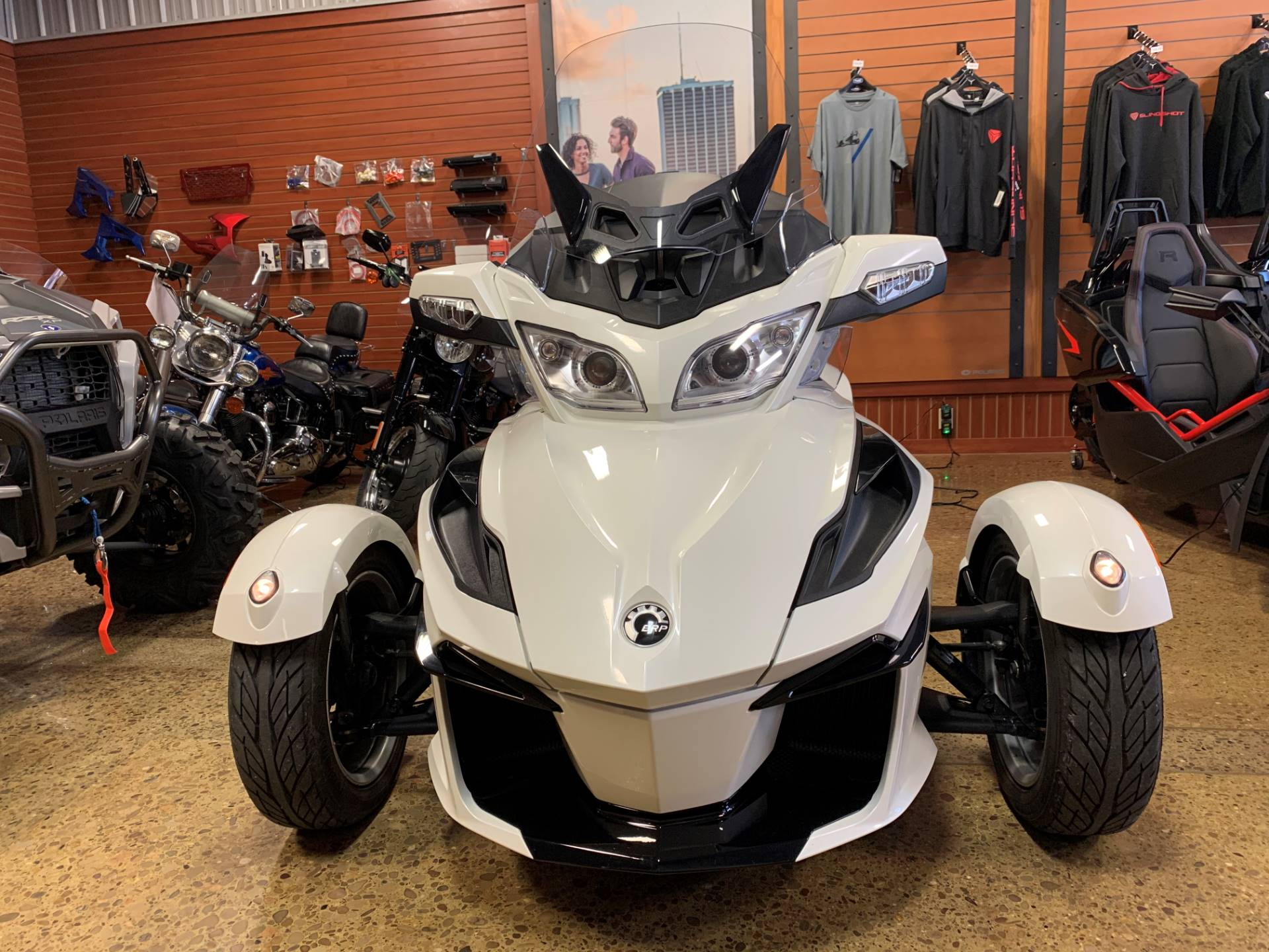 2017 Can-Am Spyder RT SE6 in Chicora, Pennsylvania - Photo 6
