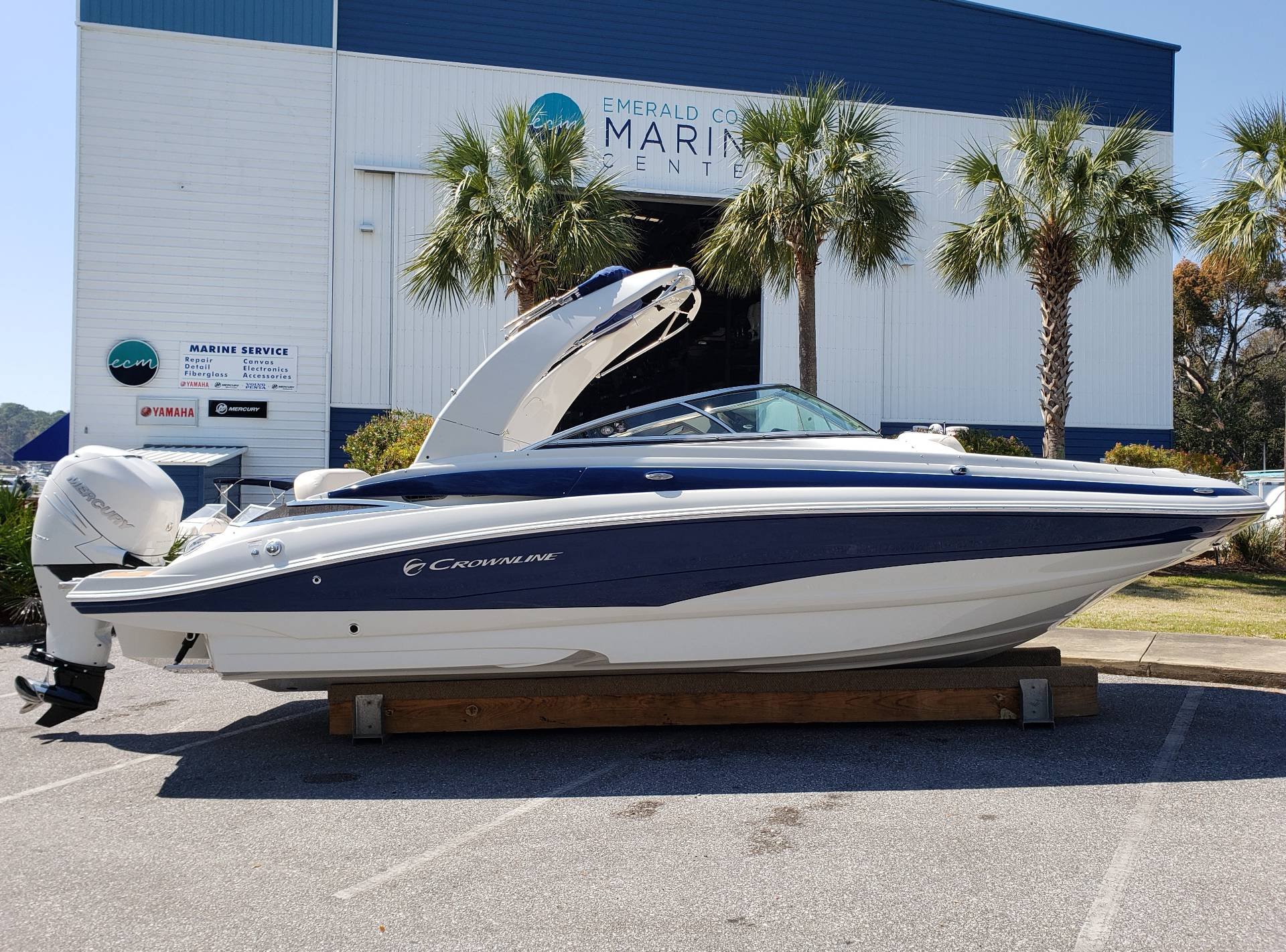 2018 Crownline E24-XS in Niceville, Florida