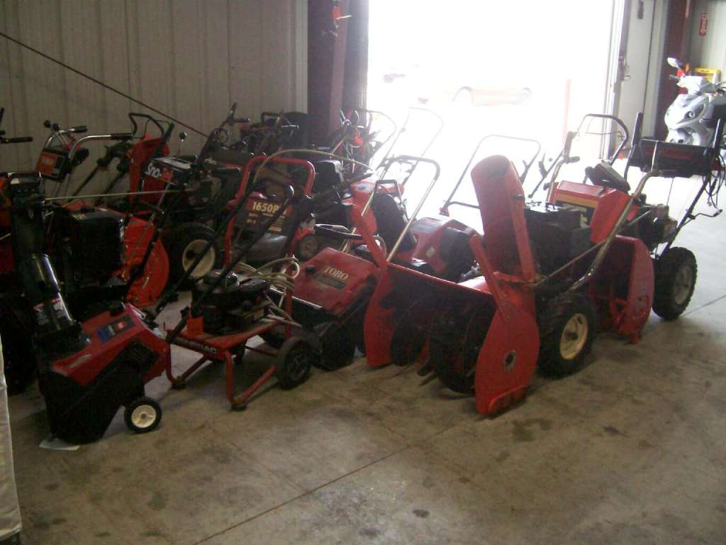 1900 Other Find The Best Deals On New And Used Snow Blowers in Francis Creek, Wisconsin
