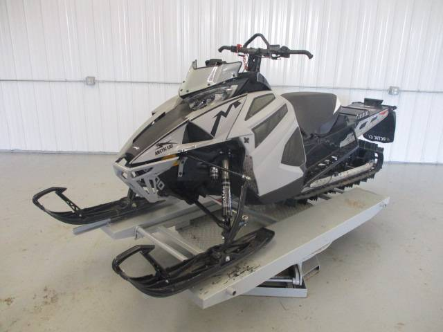 2019 Arctic Cat M 8000 Mountain Cat ES 162 in Francis Creek, Wisconsin - Photo 2