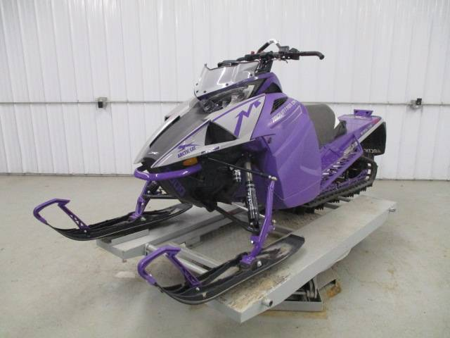 2019 Arctic Cat M 8000 Mountain Cat 153 in Francis Creek, Wisconsin - Photo 2