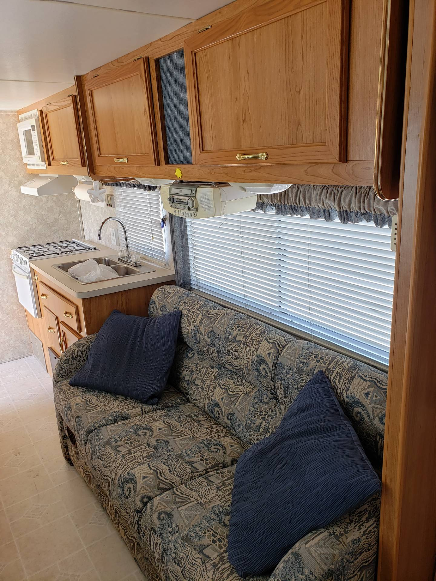 2003 Coachman  Coachman 249 QB in Francis Creek, Wisconsin