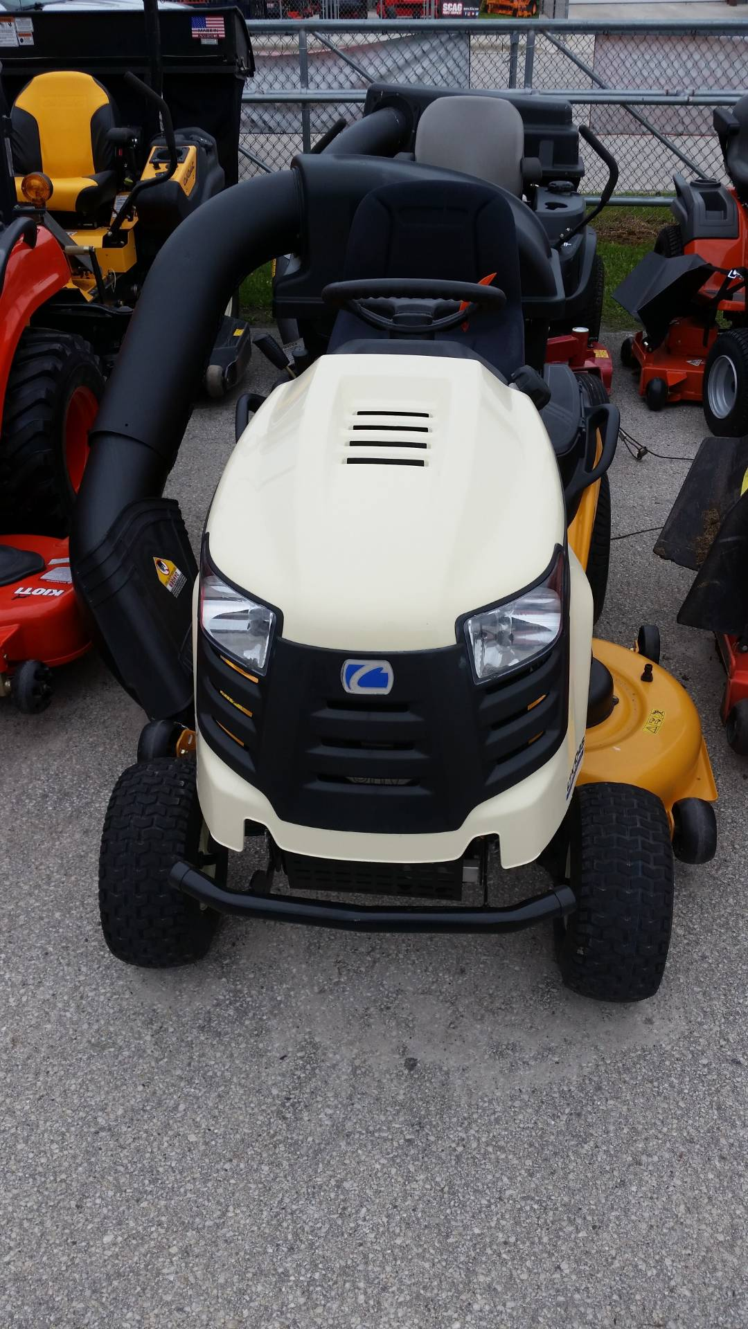 2015 Cub Cadet LTX 1045 in Francis Creek, Wisconsin - Photo 2
