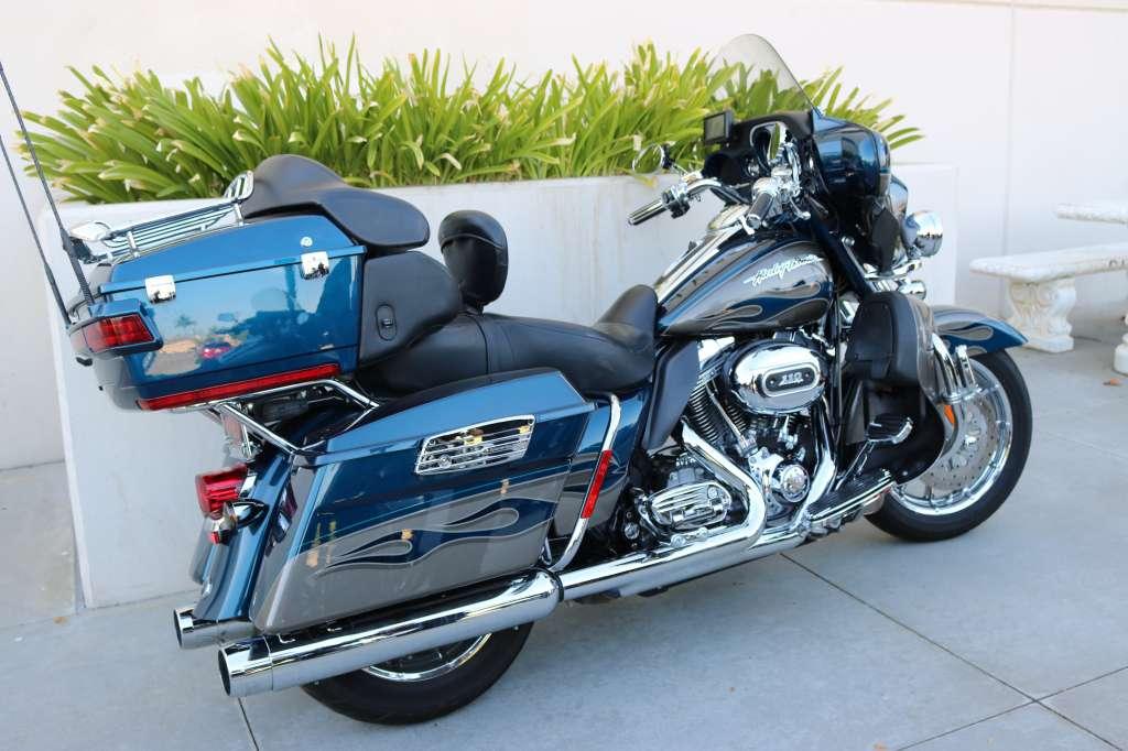2010 Harley-Davidson CVO™ Ultra Classic® Electra Glide® in Montclair, California