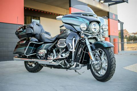 2015 Harley-Davidson CVO™ Limited in Montclair, California