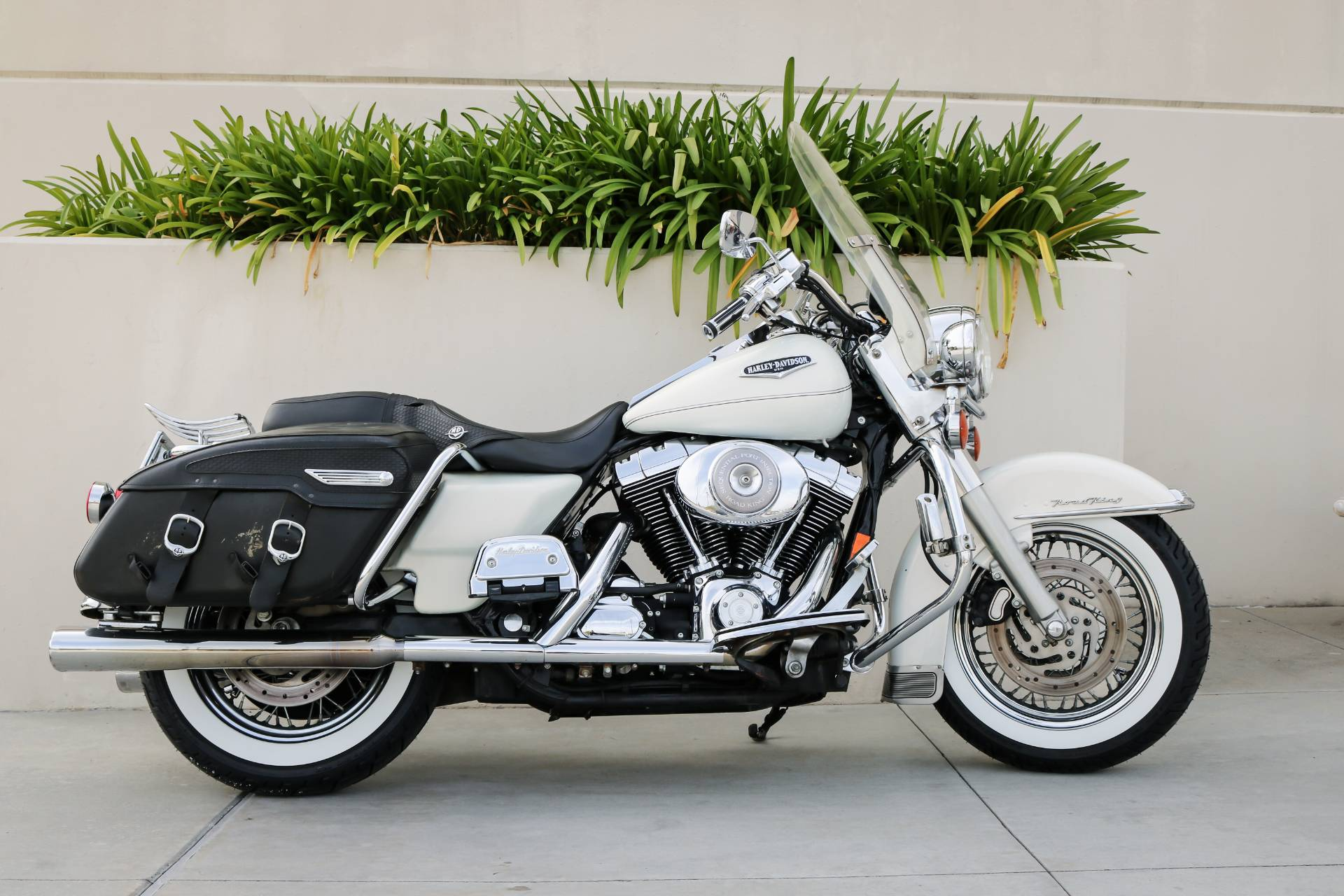 2002 Harley-Davidson FLHRCI Road King® Classic in Montclair, California