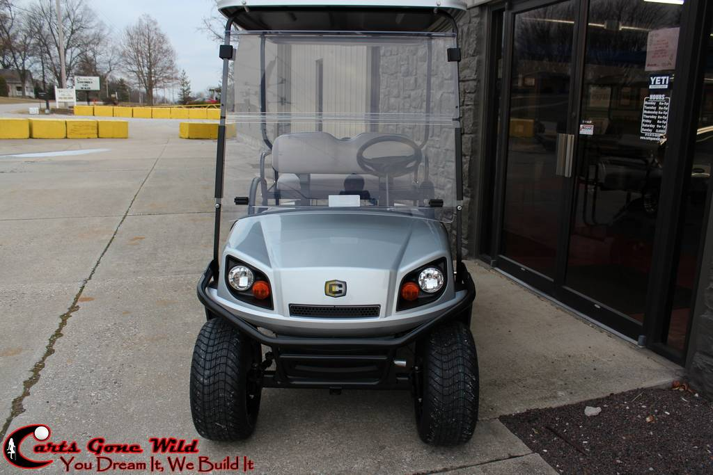 2018 Cushman Gas Shuttle 2+2 in Haubstadt, Indiana