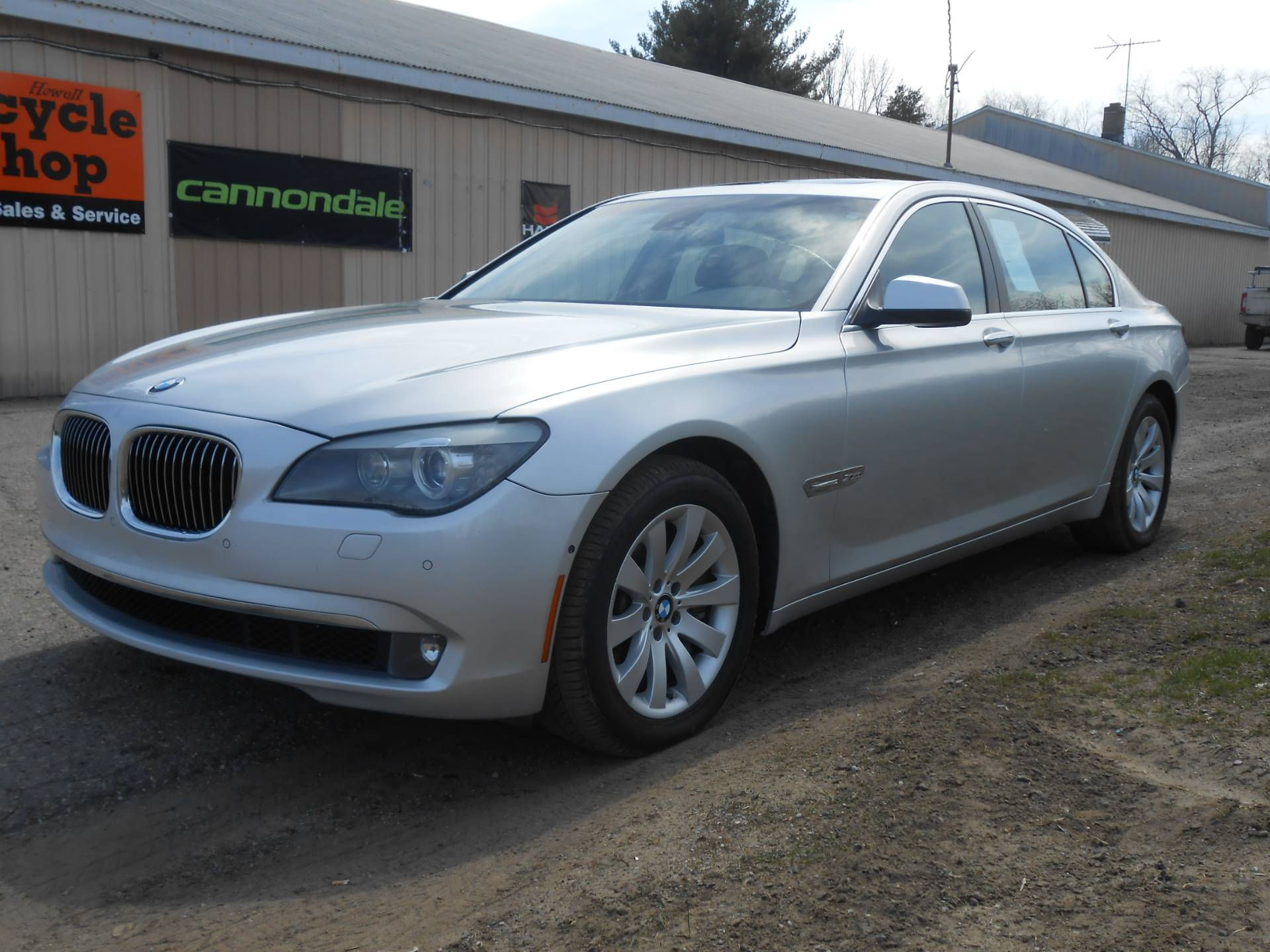 2010 BMW 750li in Howell, Michigan - Photo 4