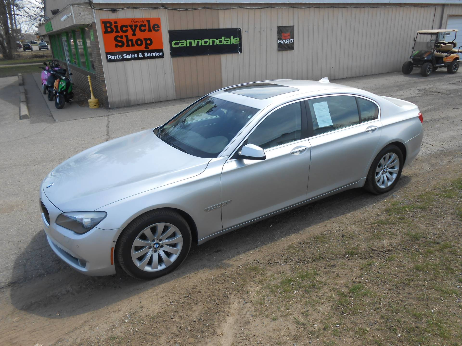 2010 BMW 750li in Howell, Michigan - Photo 5