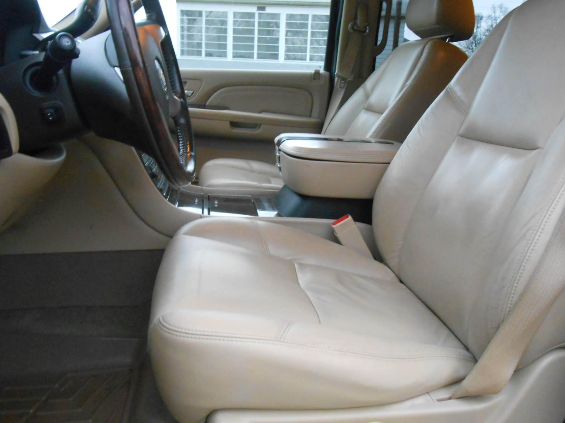 2009 Cadillac Escalade in Howell, Michigan