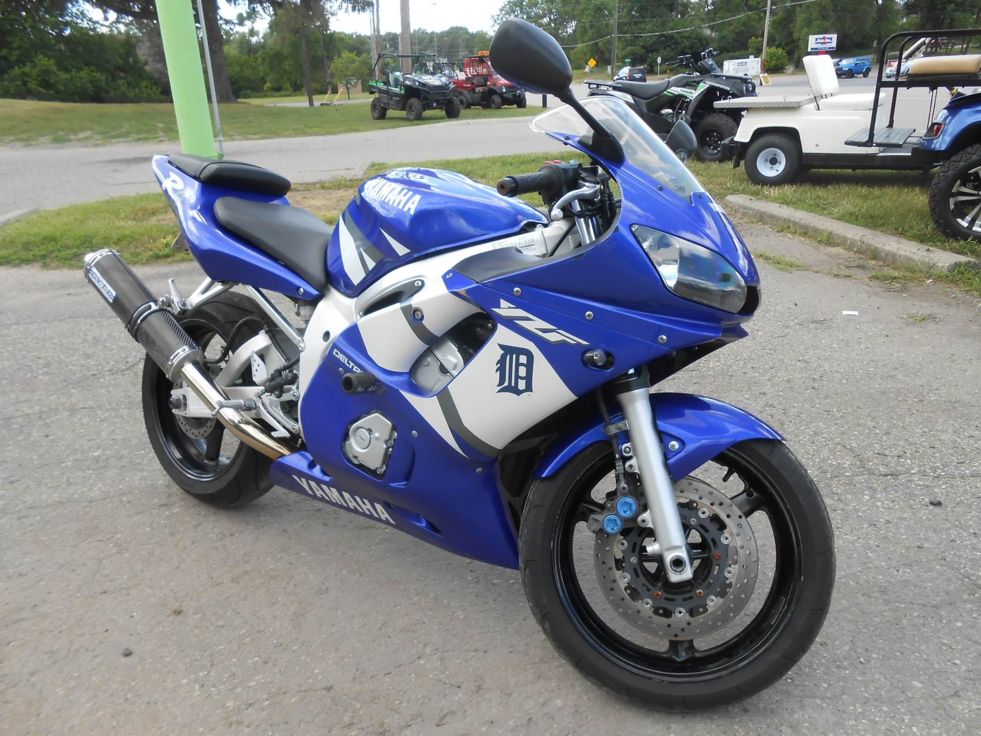 2002 Yamaha YZFR6 12