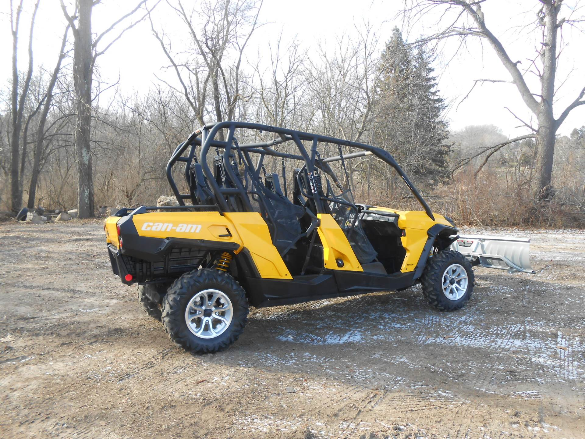 2015 Can-Am Commander™ Max XT™ 1000 in Howell, Michigan