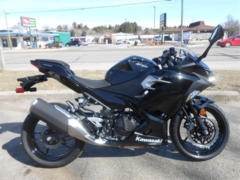2018 Kawasaki Ninja 400 in Howell, Michigan - Photo 2