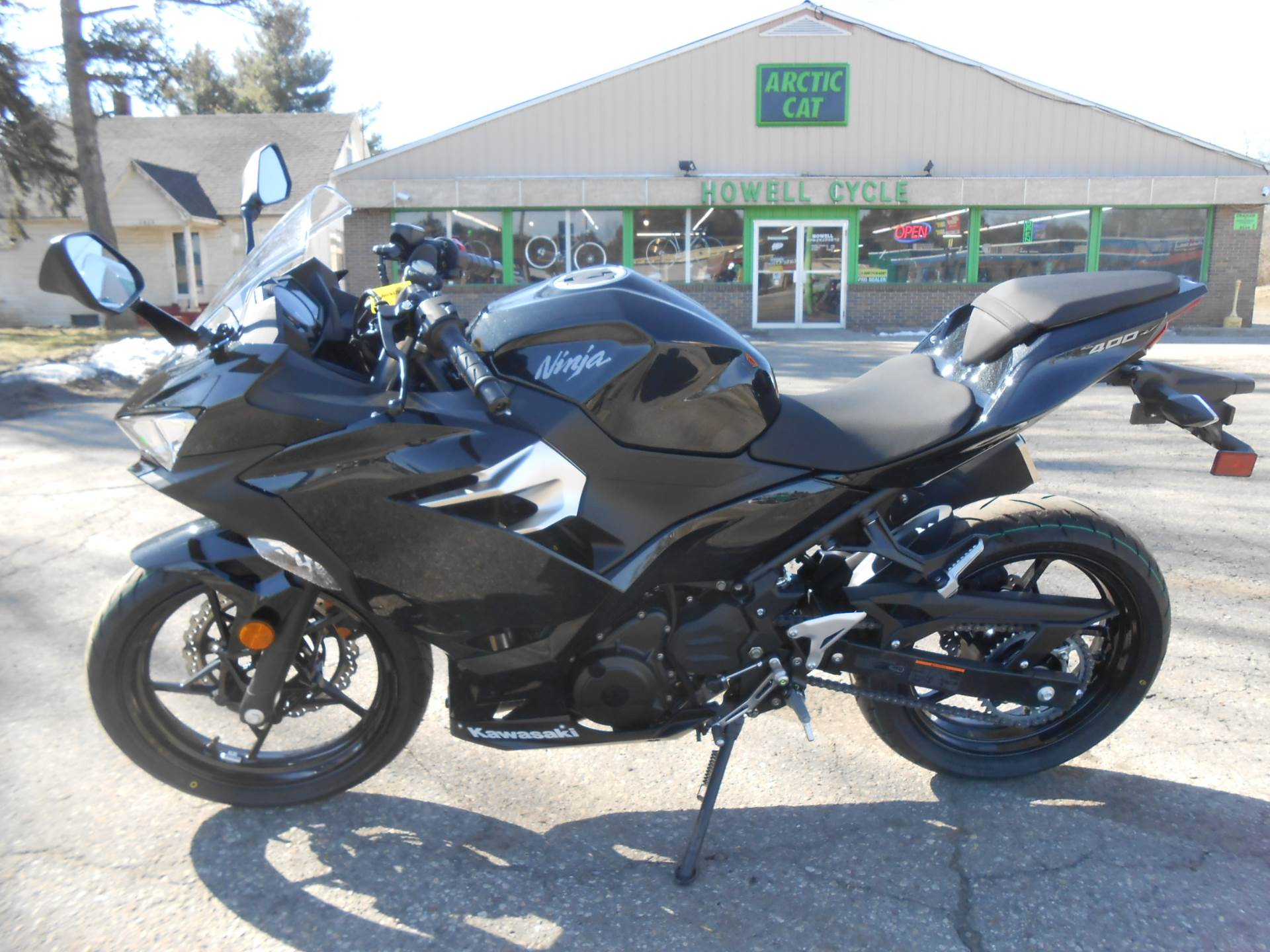 2018 Kawasaki Ninja 400 in Howell, Michigan - Photo 5