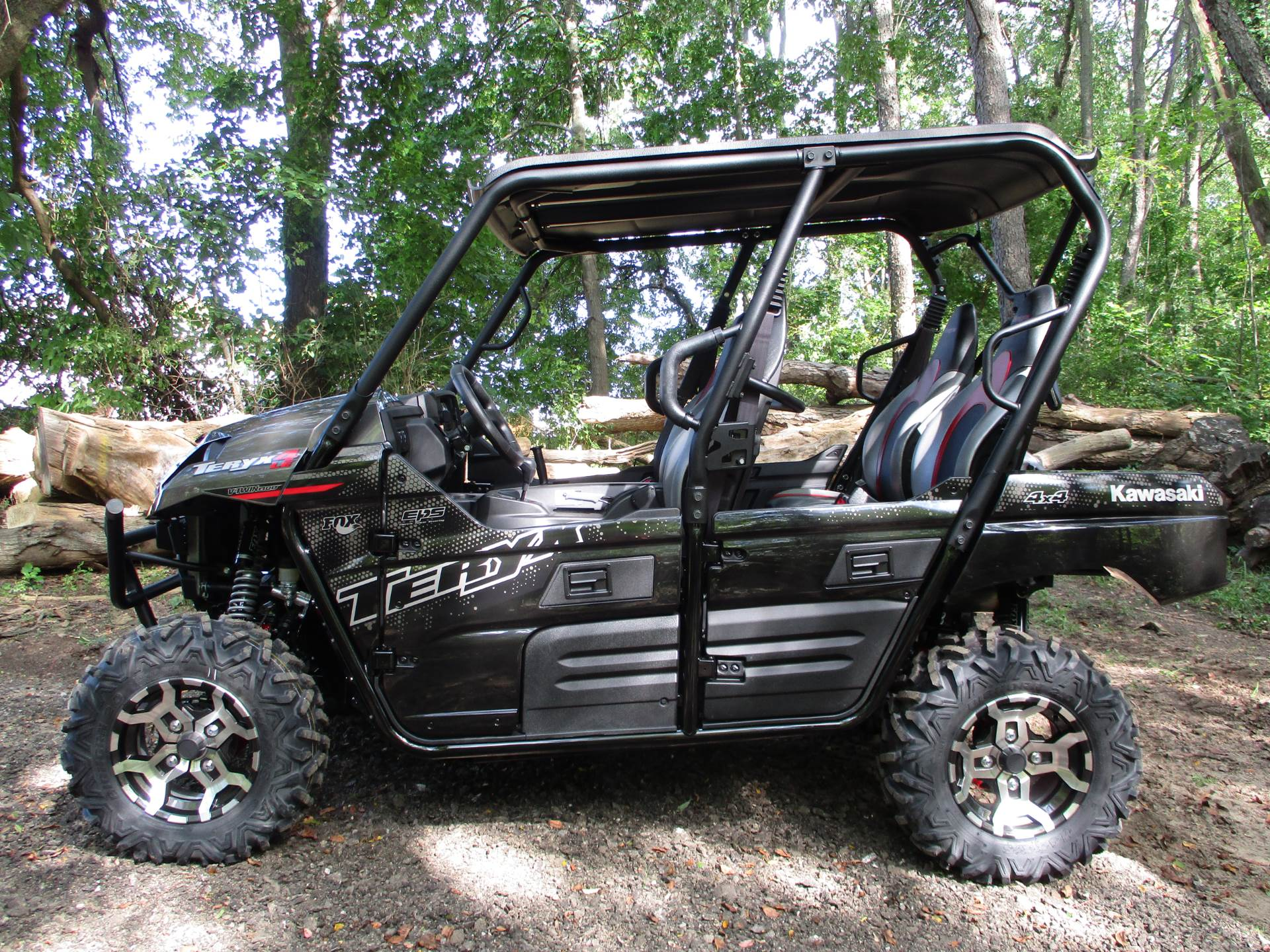 2021 Kawasaki Teryx4 LE in Howell, Michigan - Photo 2