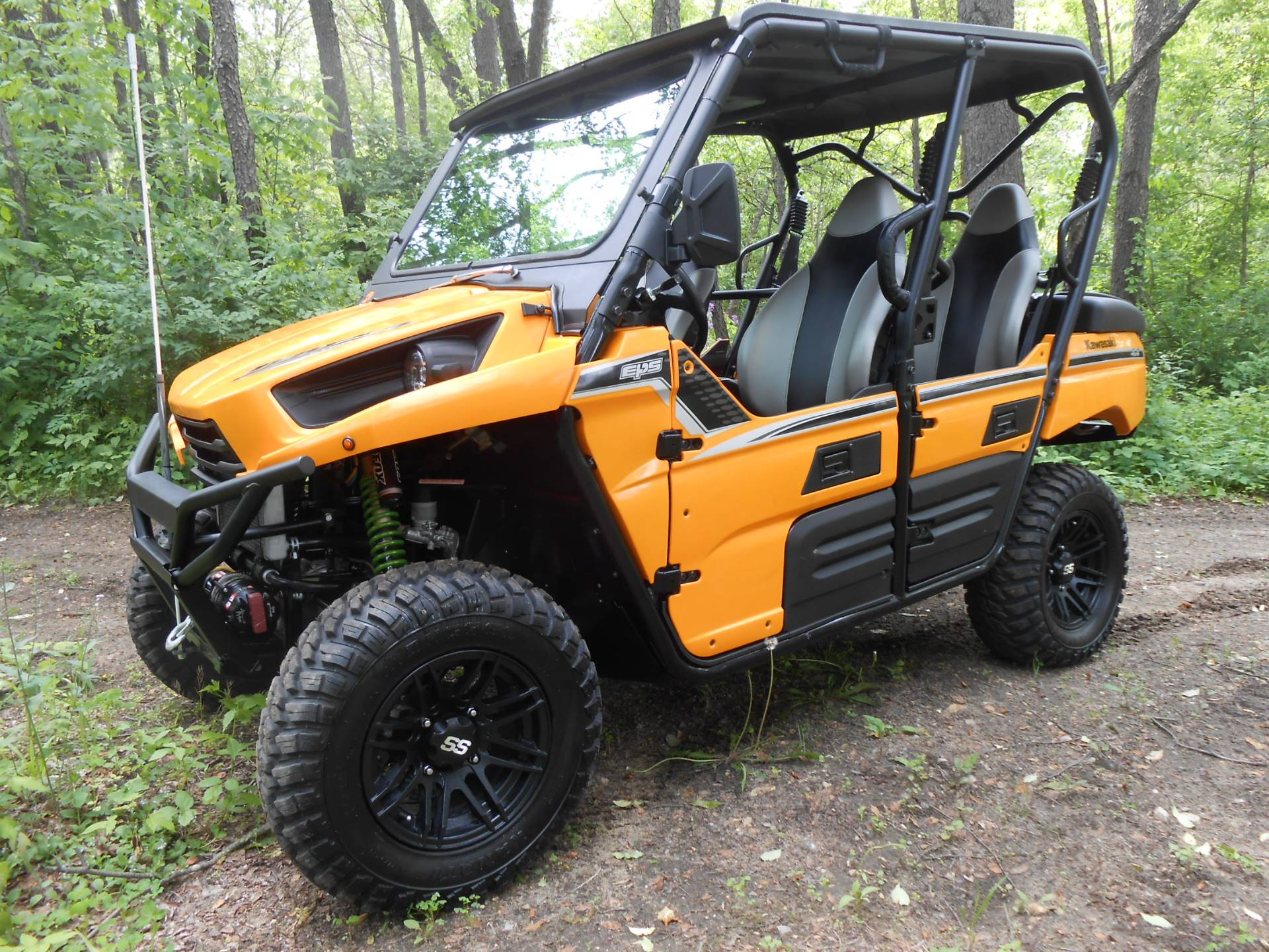 2013 Kawasaki Teryx4™ 750 4x4 EPS LE in Howell, Michigan - Photo 2