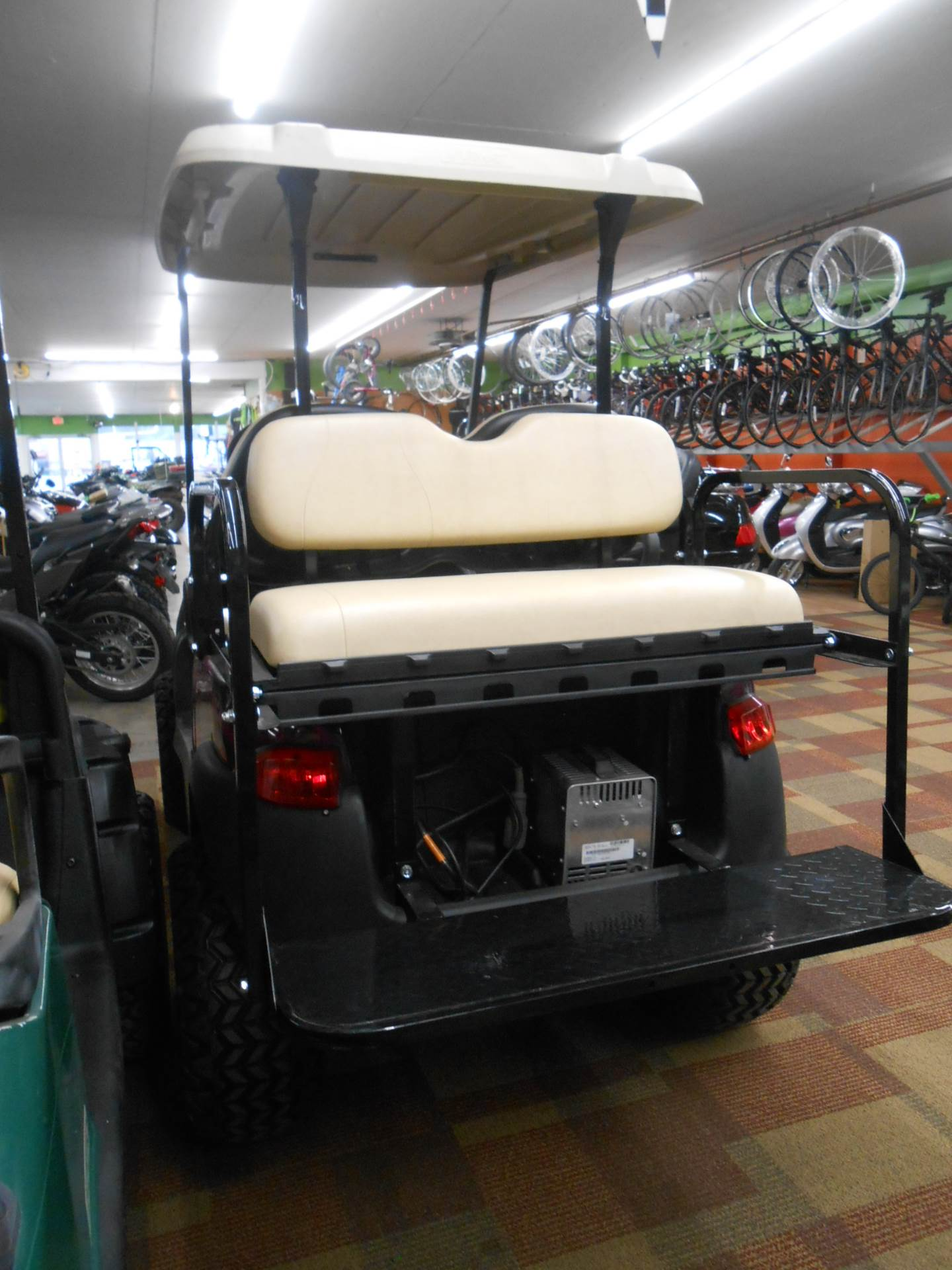 2013 Club Car Precedent i2 Excel in Howell, Michigan - Photo 3