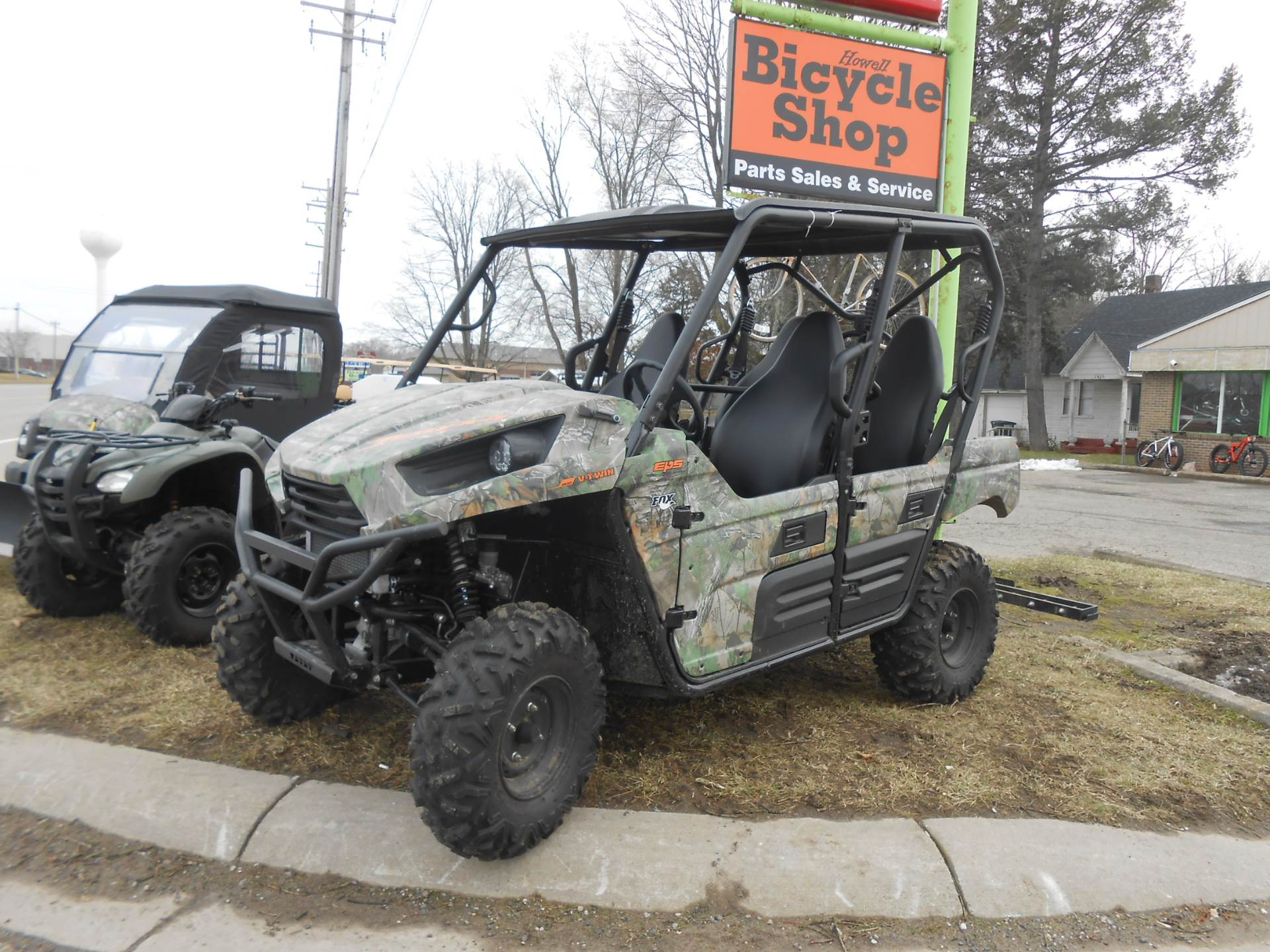 2015 Kawasaki Teryx4™ Camo in Howell, Michigan