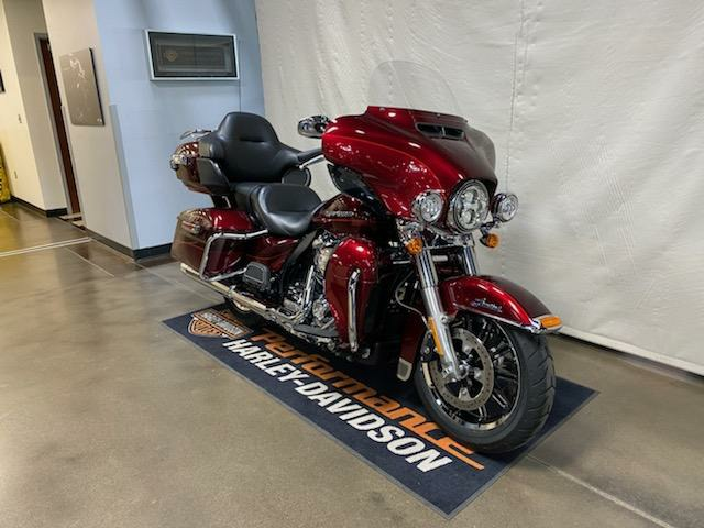 2017 Harley-Davidson Ultra Limited in Syracuse, New York - Photo 2
