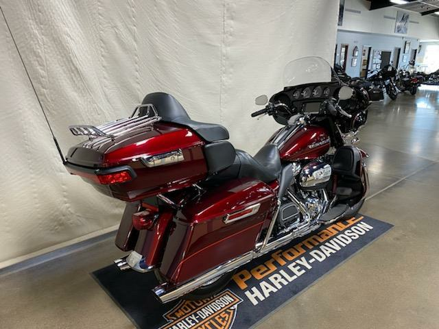 2017 Harley-Davidson Ultra Limited in Syracuse, New York - Photo 3