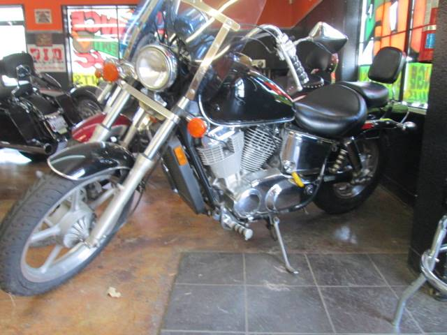 2002 Honda Shadow Sabre in Arlington, Texas