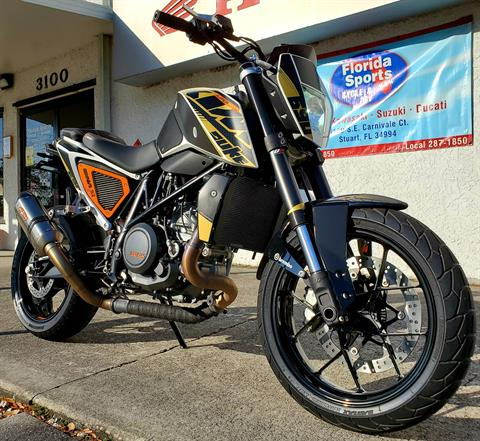 2016 KTM 690 Duke in Stuart, Florida - Photo 2