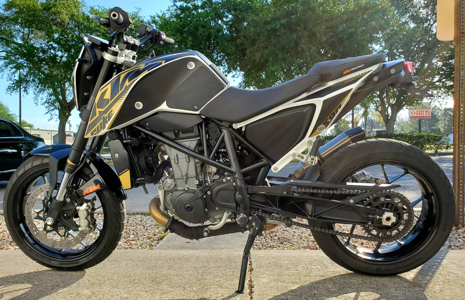 2016 KTM 690 Duke in Stuart, Florida - Photo 5