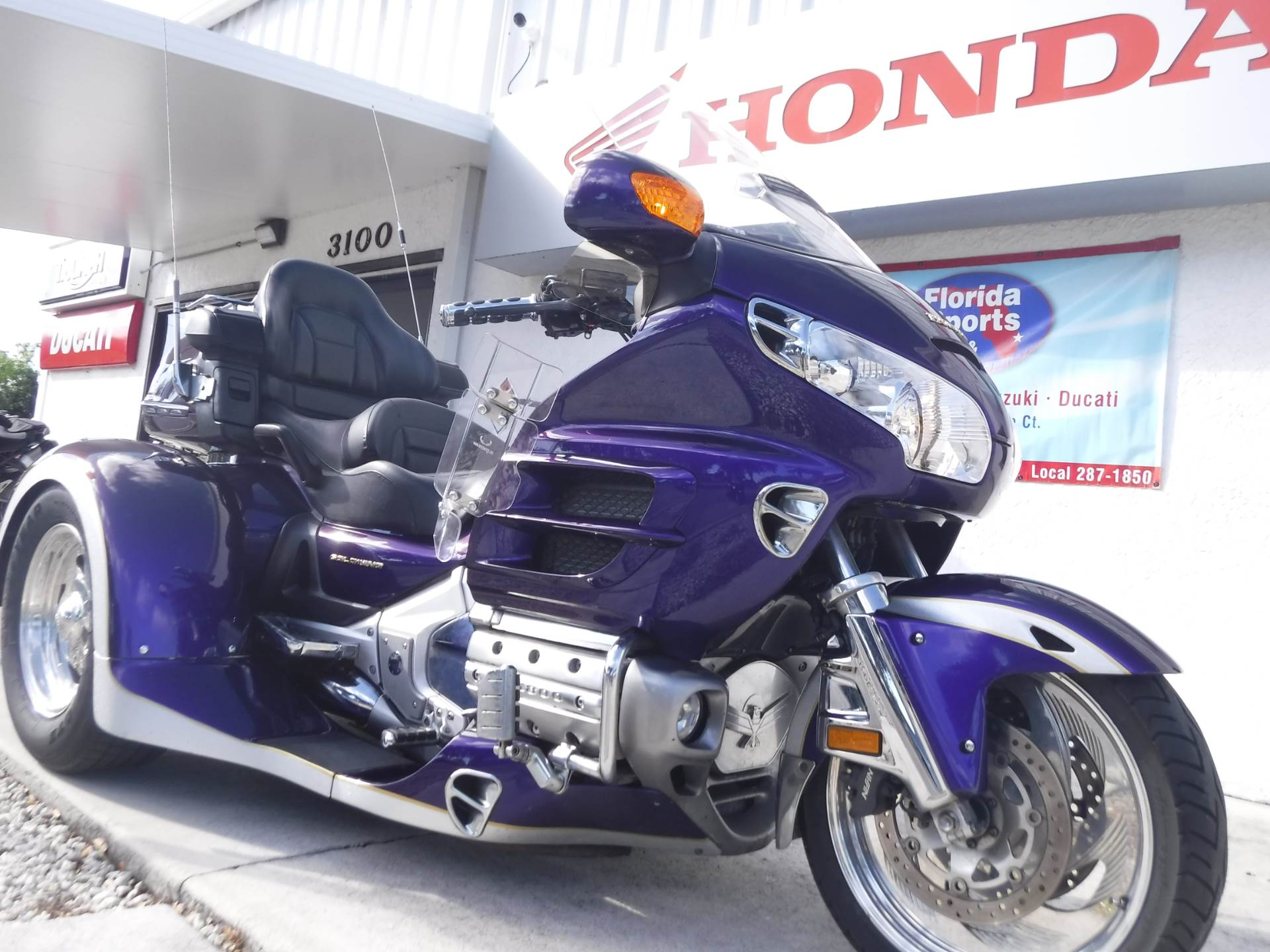 2002 Honda GL1800 in Stuart, Florida - Photo 2