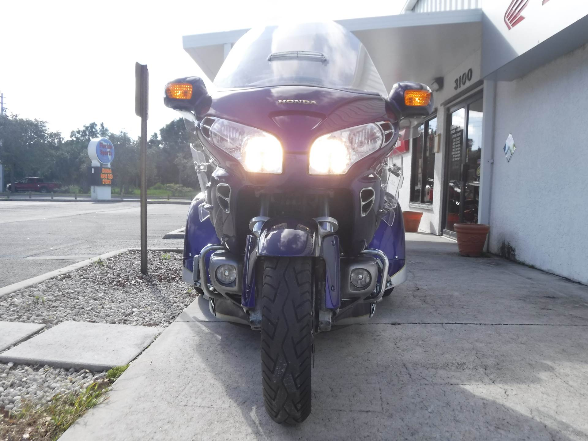 2002 Honda GL1800 in Stuart, Florida - Photo 3