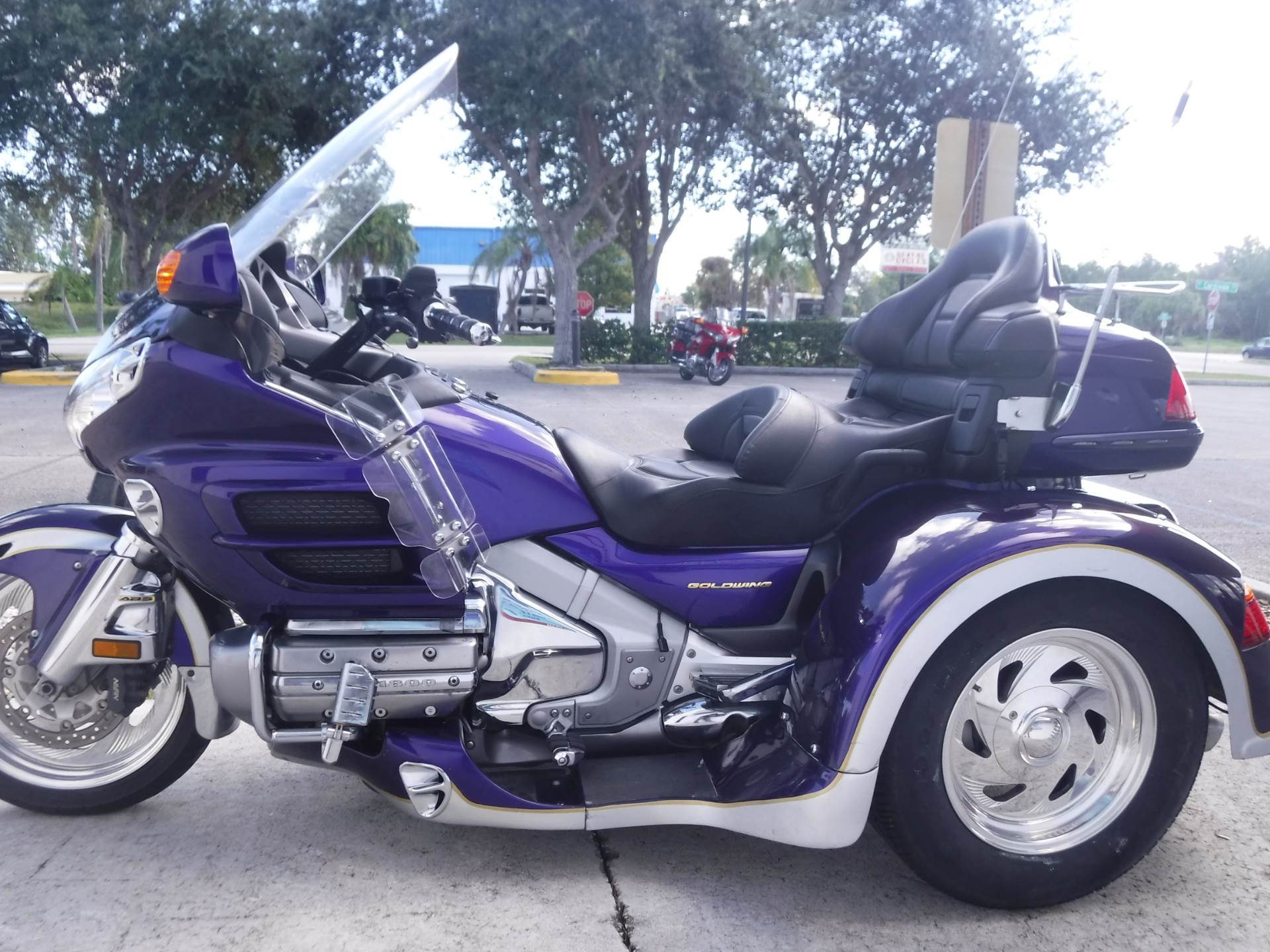 2002 Honda GL1800 in Stuart, Florida - Photo 5