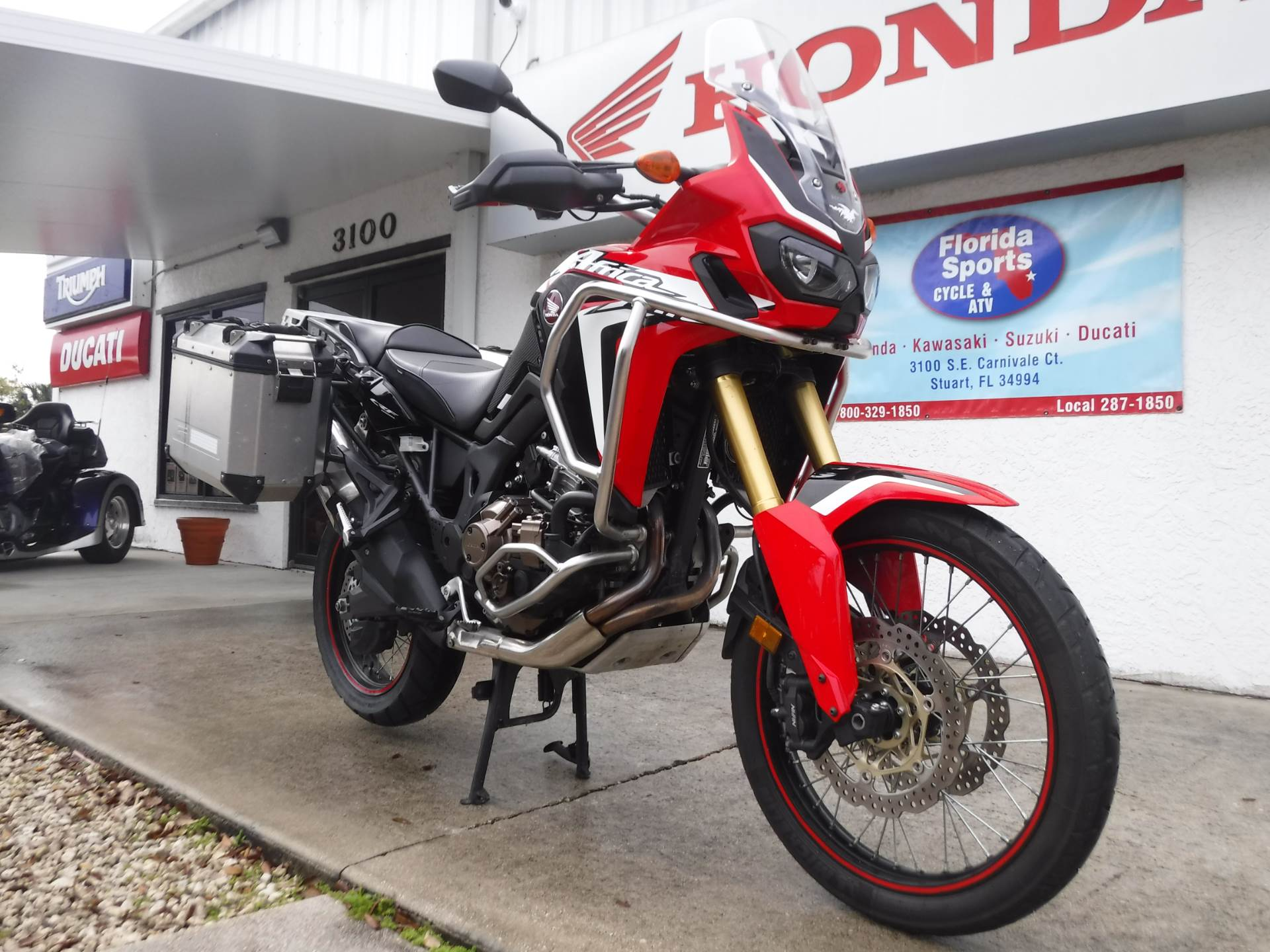 2016 Honda Africa Twin DCT in Stuart, Florida - Photo 3