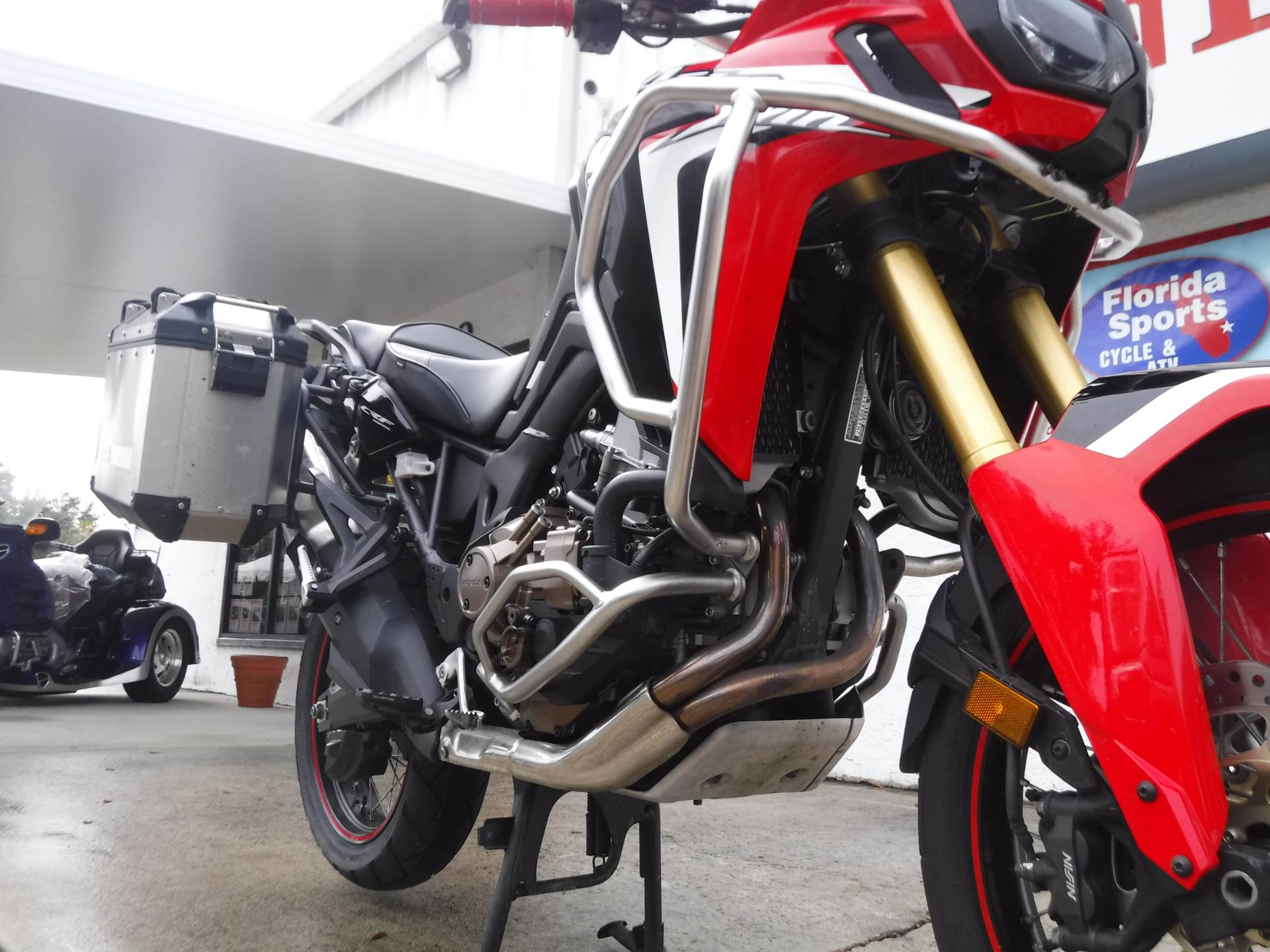 2016 Honda Africa Twin DCT in Stuart, Florida - Photo 11