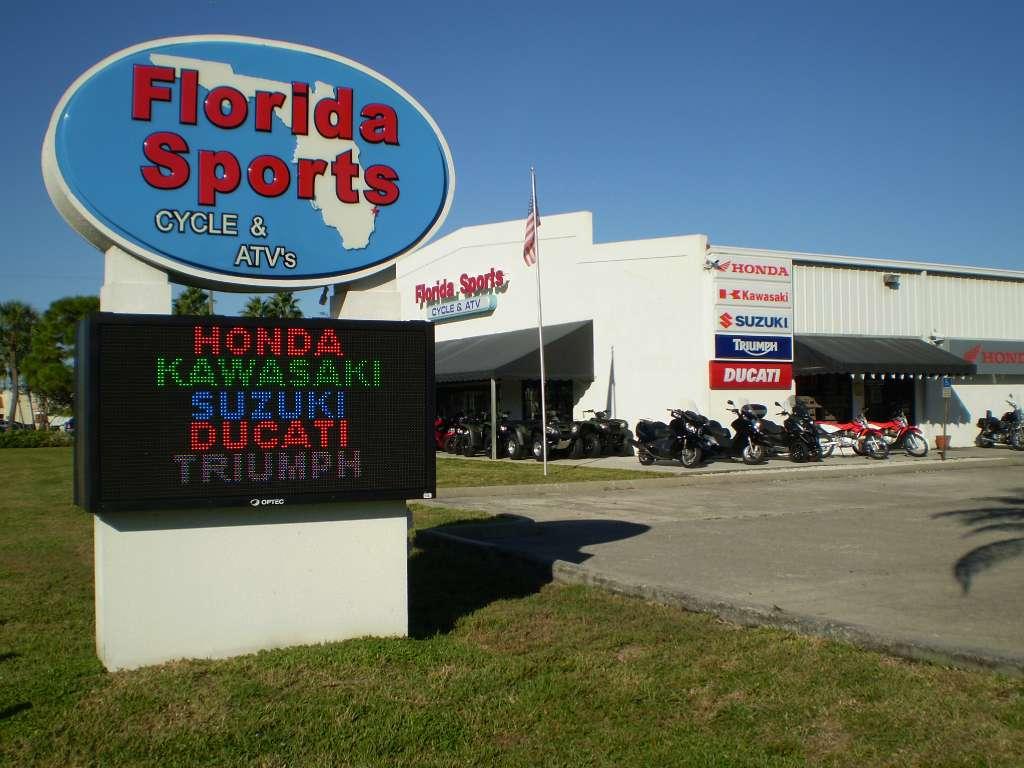 2012 Kawasaki Vulcan® 1700 Nomad™ in Stuart, Florida