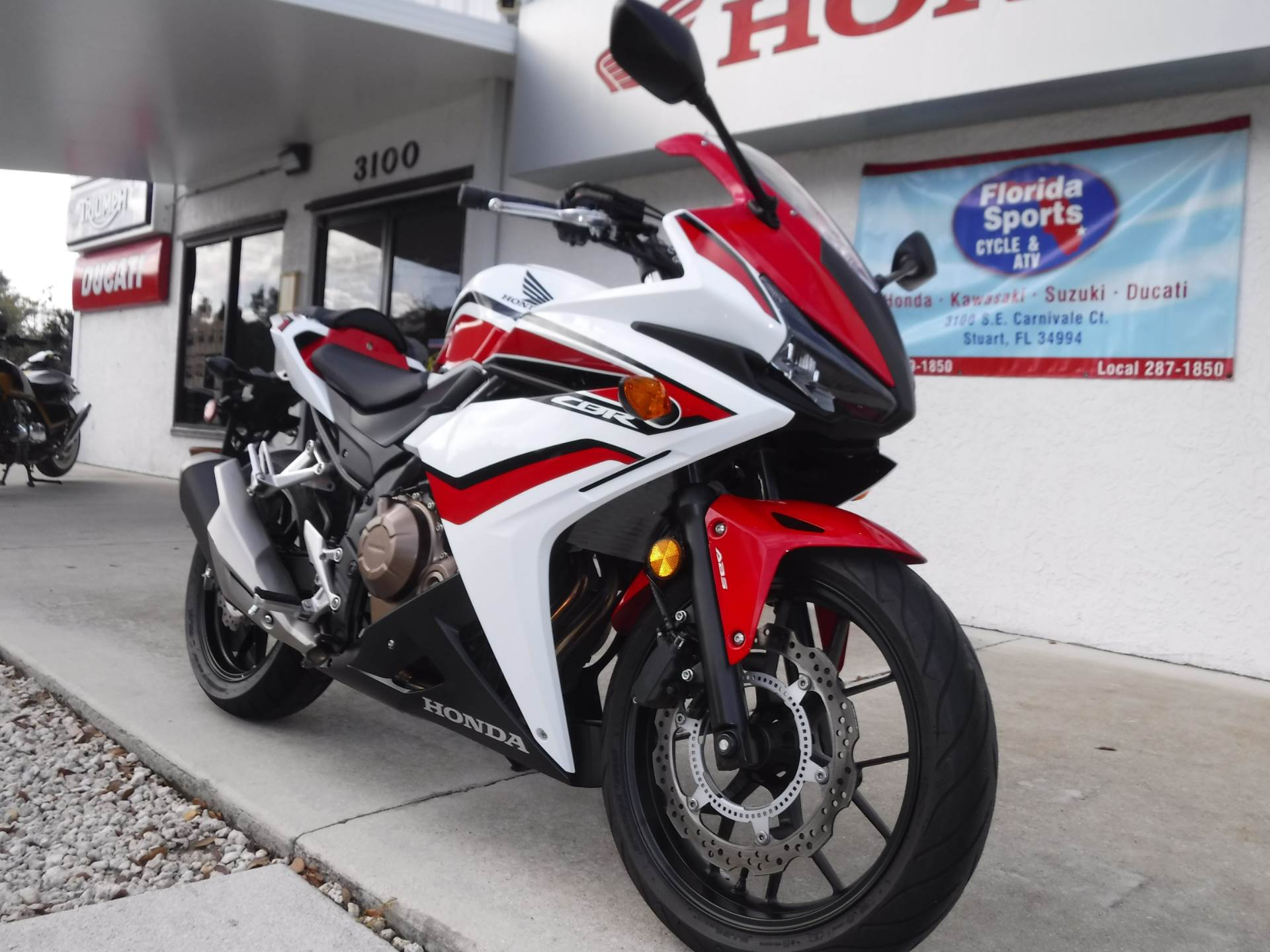 2018 Honda CBR500R ABS in Stuart, Florida - Photo 2
