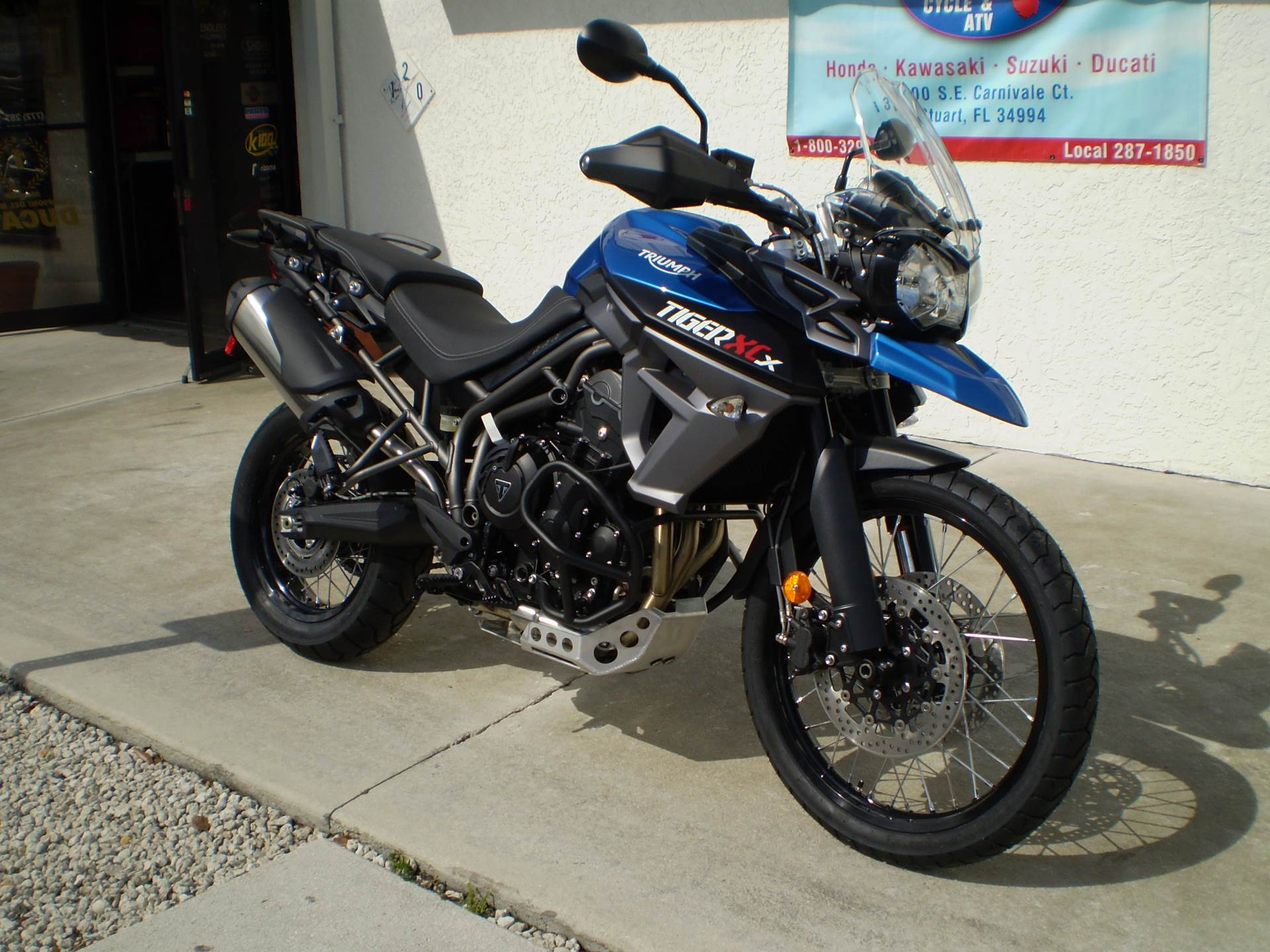 2016 Triumph Tiger 800 XCx Low in Stuart, Florida