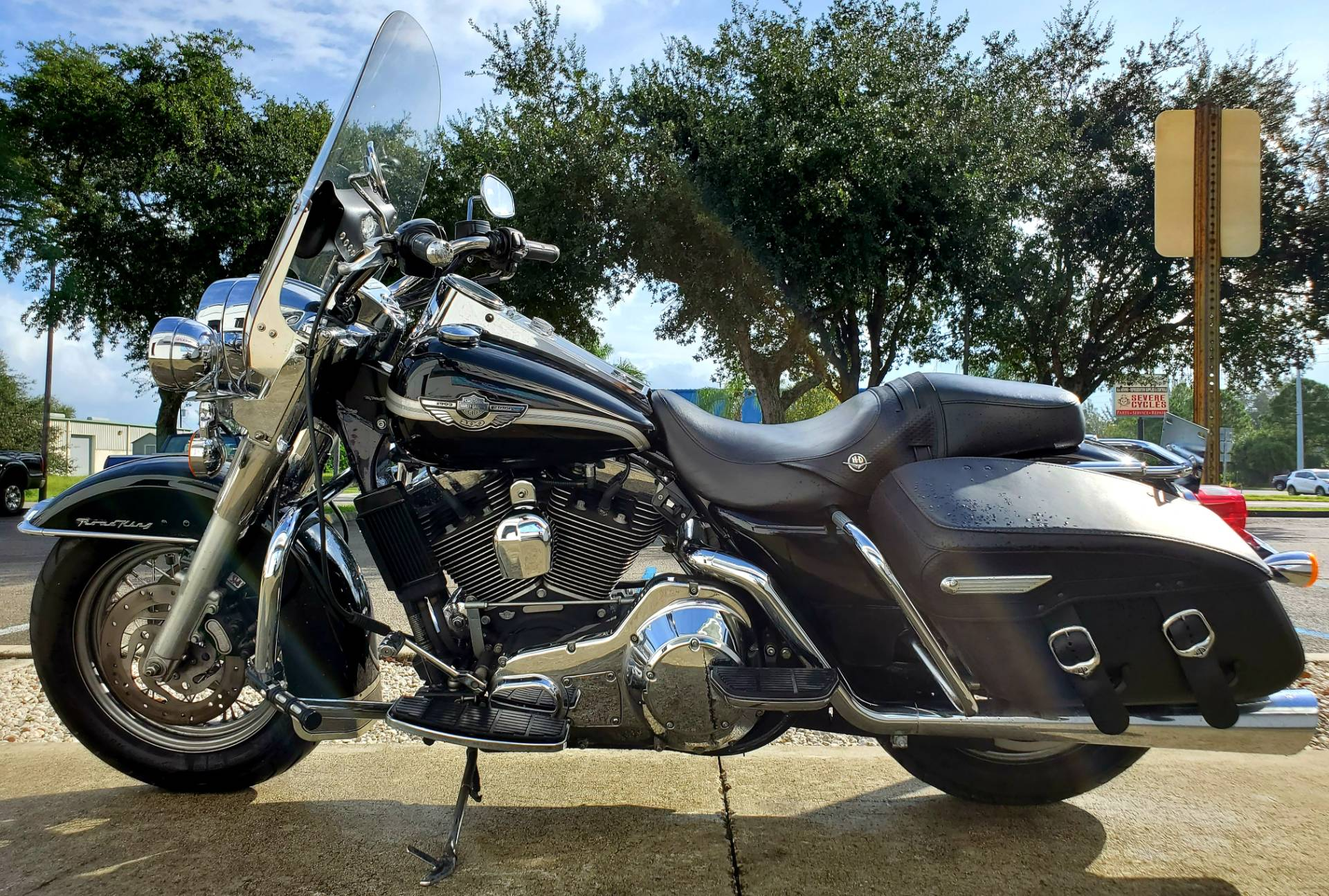 2003 Harley-Davidson FLHRCI Road King® Classic in Stuart, Florida - Photo 5
