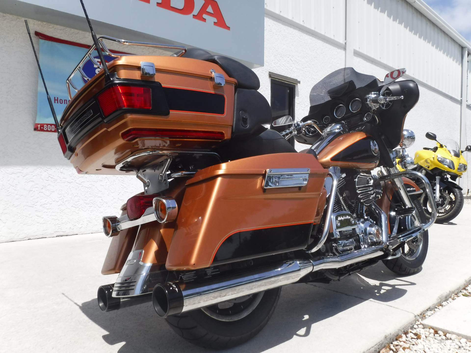 2008 Harley-Davidson Ultra Classic® Electra Glide® in Stuart, Florida - Photo 8