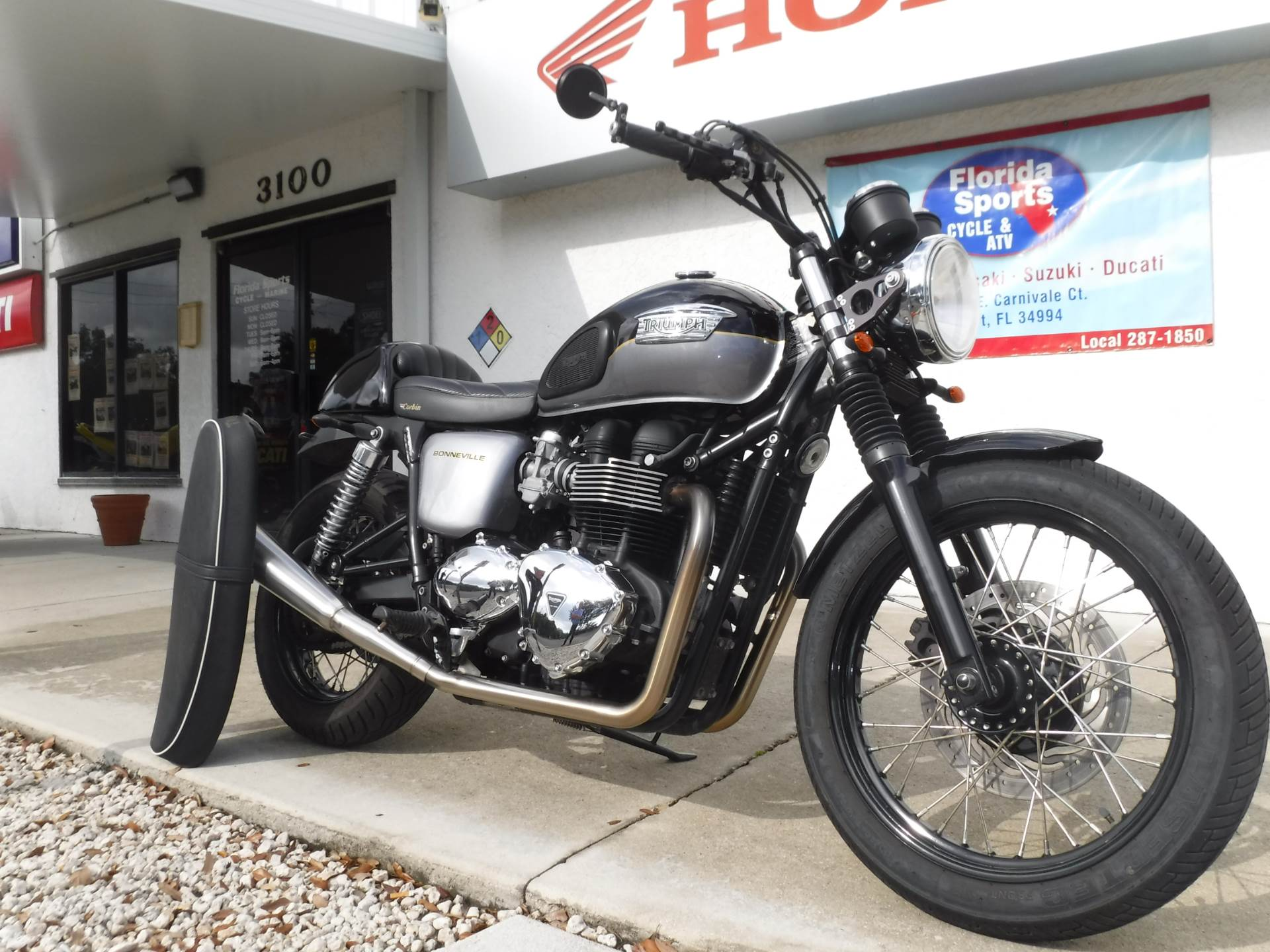 2013 Triumph Bonneville T100 in Stuart, Florida - Photo 2