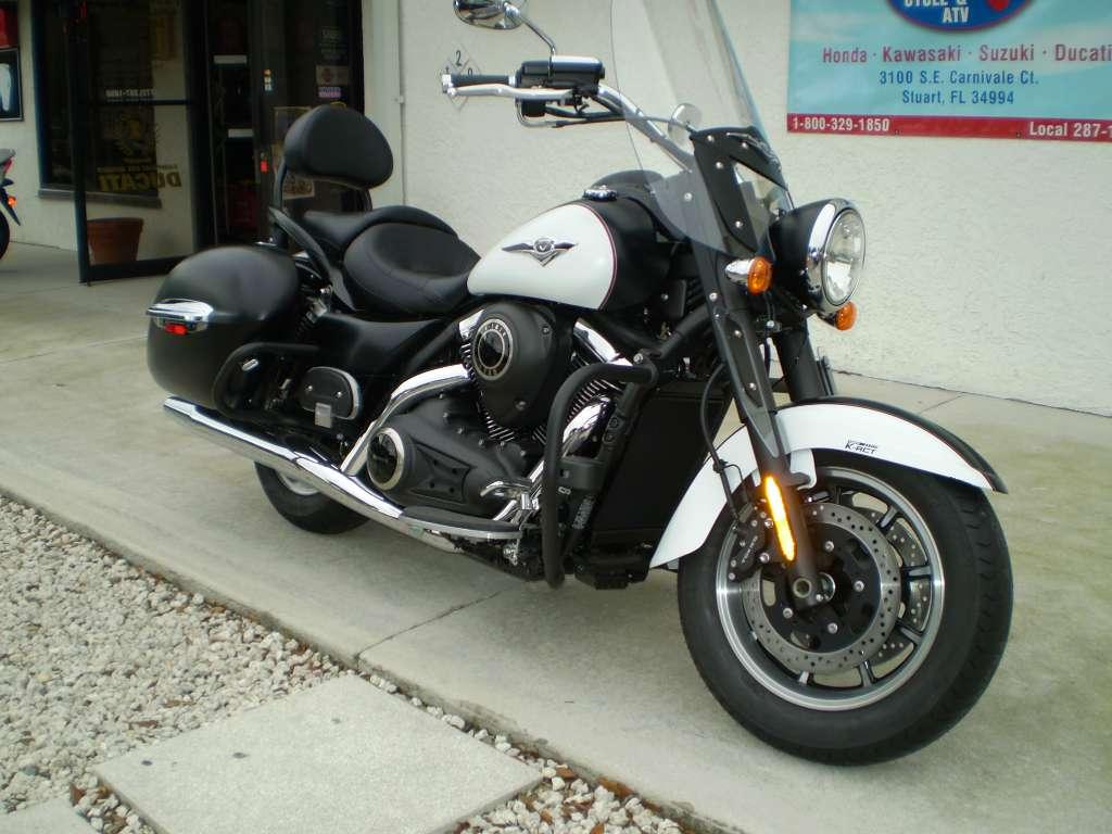2014 Kawasaki Vulcan® 1700 Nomad™ ABS in Stuart, Florida