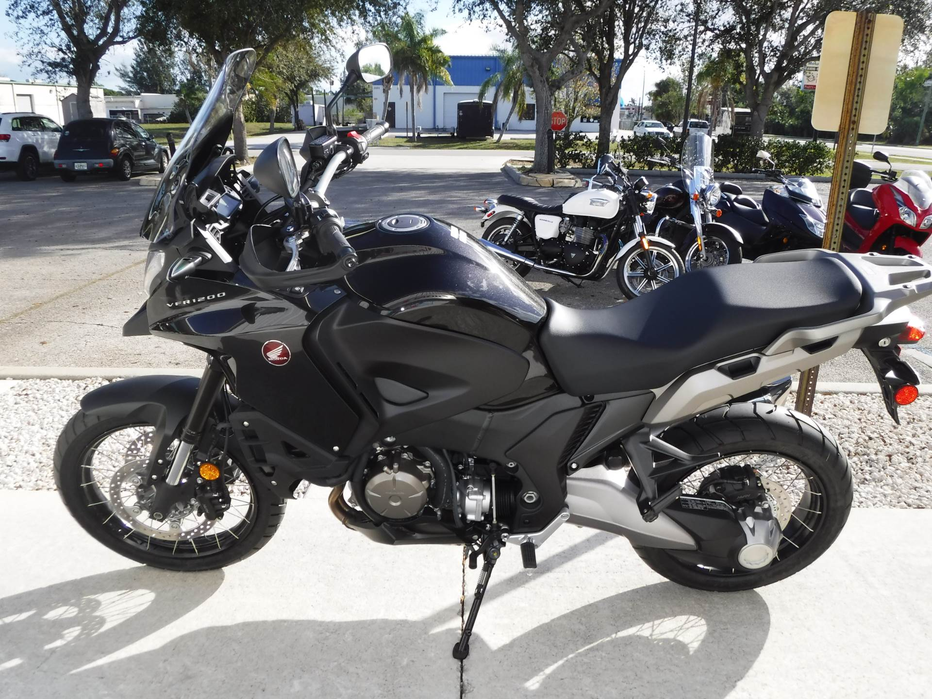 2016 Honda VFR1200X in Stuart, Florida - Photo 5